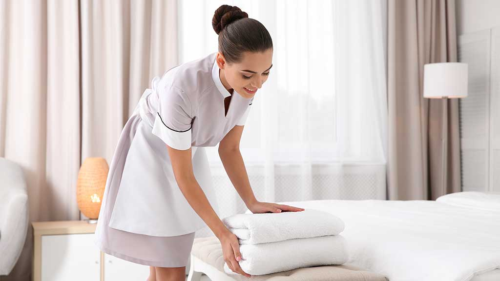 what is the job description of a hotel housekeeper